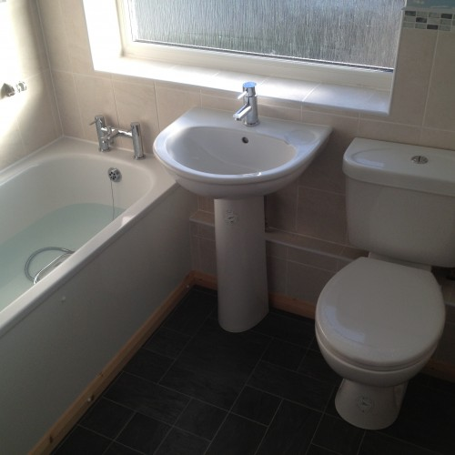 New Bathroom Suite And Tiling